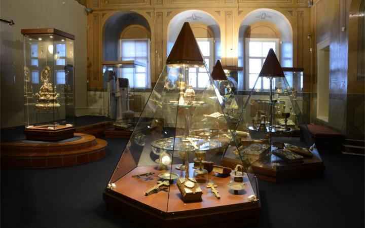 Exhibition of ancient Russian decorative and applied art